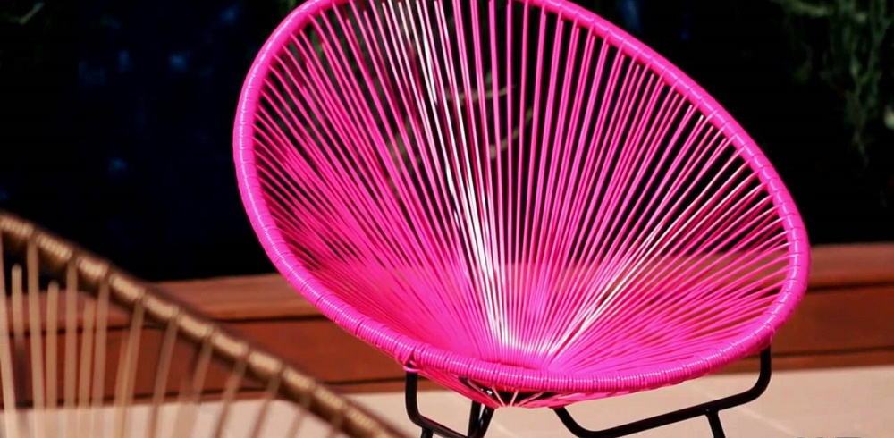 Acapulco-chair-pink-outside