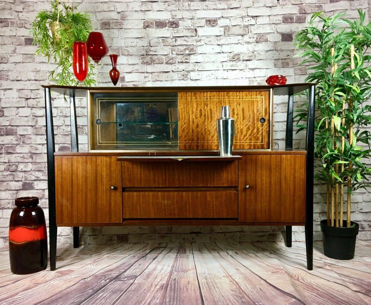 cocktail bar mid century design